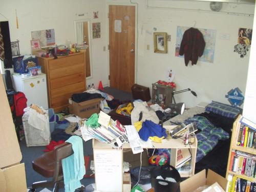 messy room doesnt always help me think
